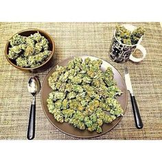 get a good weed lunch with us and feel high . we are the best legit weed suppliers online.place your order now and have a taste of what we have . Buy Cannabis Online, Buy Weed Online, Pots, Weed Pictures, Weed Pics, Cbd Oil For Sale, Wake And Bake, Cannabis Oil, Men Stuff
