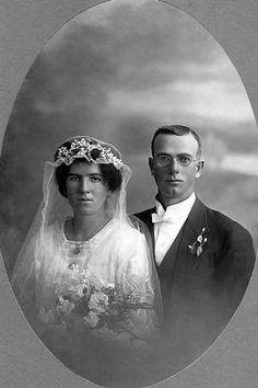 Albert Louis Francis Werner and Anna Coomera Boyle on their wedding day in 1922 - photo courtesy of Helen Jones.