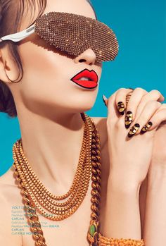 <p>Written by Guest Blogger Anjali Soneji  This is modern New York – photographer Jenny Brough shows us retro sharpness through her lens. A dynamic Pop-Art feel, emphasizing accessories,