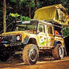 Land Rover Defender 130. Camping.