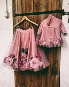Kids designer dresses - Complete floral dress with flowers on them for brides and bridesmaid – Kids designer dresses Dresses Kids Girl, Cute Dresses, Girl Outfits, Flower Girl Dresses, Dresses Dresses, Floral Dresses, Pink Dress, Baby Girl White Dress, Floral Gown