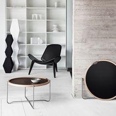 Carl Hansen & Son's update of the More Tray Table by Hans J. Wegner Hans Wegner, Lounge Chair, White Laminate, Luminaire Design, Designers Guild, Design Furniture, Retail Design, Danish Design, Contemporary Furniture