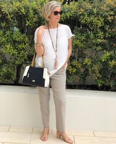 Best Fashion Tips For Women Over 60 - Fashion Trends Over 60 Fashion, Mature Fashion, Over 50 Womens Fashion, Fashion Over 50, Fashion Tips For Women, Plus Size Fashion, Stylish Outfits For Women Over 50, Stylish Older Women, Clothes For Women