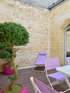 Patio with lilac furniture in Bordeaux, France