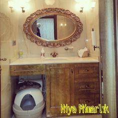 Eskitme banyo dolabı ve altın varaklı banyo aynası  imalatlar ham mdf üzerine boya ile yapılmış olup tamamen kendi imalatımdır.