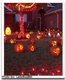 Google Image Result for http://www.divinedinnerparty.com/image-files/halloween-outdoor-decor-pumpkins.jpg