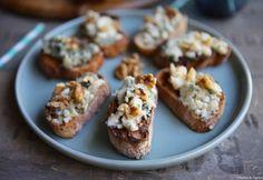 Bruschetta, Roquefort Cheese, Mets Vins, Baked Potato, Sandwiches, Muffin, Potatoes, Baking, Breakfast