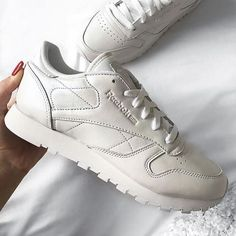 Sneakers women - Reebok Classic Pearlized white (©alisaxvii)