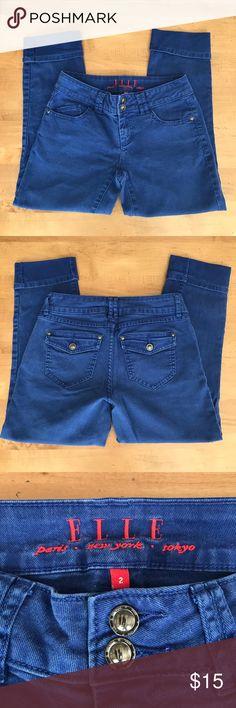 ELLE Capri Jeans Elle Rolled Capri jeans in deep blue color. EUC 99% cotton, 1% spandex Elle Jeans Ankle & Cropped