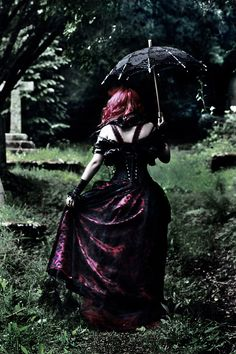 Norm ppl want a glam photo glam pic thingy done in a park, studio, beach, blah, blah, ME? I want it in a beautiful cemetery with a victorian gothic inspiration vibe. Yup I dance alone....lolz