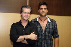 Talentos da dupla Victor e Léo Em 2006 a dupla Victor e Léo mudou todo o cenário da música sertaneja com seu estilo único e inovador. A partir daí, surgiu o reconhecimento nacional.