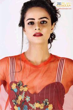 Actress Prachi Tehlan Cute Faces, Tv Gossip, Chokers, Beautiful Women, Actresses, Indian, Gd, Woman, Collection