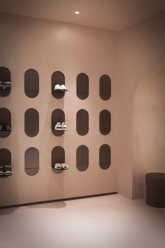 A Sequence of Spaces Distinguished by Combinations of Materials and Colours – Alysi Milan Boutique Interior by Italian Design Duo Studio Pepe Retail Interior Design, Boutique Interior Design, Interior Exterior, Shoe Store Design, Retail Store Design, Retail Stores, Shop Interiors, Office Interiors, Milan Boutique