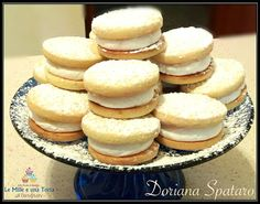 BISCOTTI PARADISO - talmente morbidi che si sciolgono in bocca! Biscuits, French Cake, Best Italian Recipes, Sweets Recipes, Mini Cakes, Macaroons, Delicious Desserts, Bakery, Food And Drink