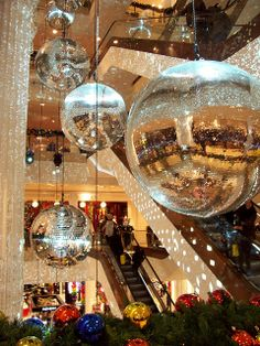 London Christmas Decorations, Selfridges Department Store