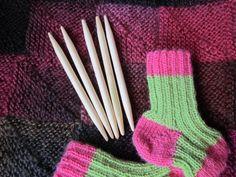 Korta strumpstickor bambu 6 - 10 mm | handlagarn.se- kurze Strumpfstricknadeln- gesehen auf www.handlagarn.se