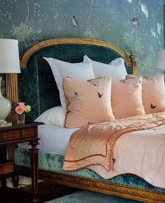 Classic Home Decor, Retro Home Decor, Home Decor Styles, Diy Home Decor, Home Interior, Decor Interior Design, Interior Decorating, De Gournay Wallpaper, Shabby Home