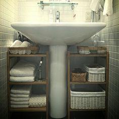 収納がなきゃ困る洗面所回り。とはいっても狭いスペースで収納したいものはたくさんありますよね……そこで、洗面所の収納で役立つアイデア&便利グッズをご紹介したいと思います!見た目もばっちり、実用性もばっちりなアイテムですので、是非取り入れてみてくださいね♪