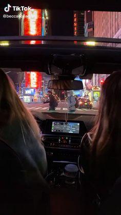 new york Adventure Aesthetic, City Aesthetic, Aesthetic Videos, New York Life, Nyc Life, City Life, Bff Goals, Best Friend Goals, Best Friend Pictures