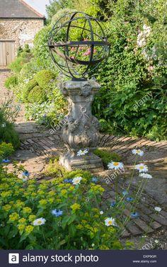 Garden Design Classics: The Armillary Sphere | Giardini, Progettazione Del  Giardino E Design