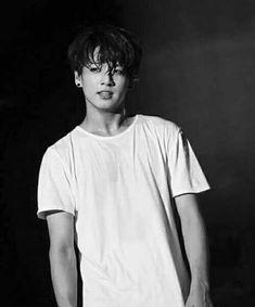 Horaire: Jungkook Tae Jimin J-hope Suga Jin RM Ship/groupe NDA Merc… # Humour # amreading # books # wattpad Jung Kook, Bts Jungkook, Taekook, K Pop, Foto Bts, G Dragon, Bts Boys, Btob, Wattpad