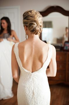 Are you looking everywhere for that perfect wedding updo for your big day? Well, look no more! Here are the most gorgeous wedding hairstyles from around the web. Vintage, classic, contemporary, bohemian… I have it all! Bridal Updo, Wedding Updo, Wedding Hairstyles, Cool Hairstyles, Wedding Hair And Makeup, Wedding Beauty, Bridal Beauty, Hair Makeup, Midi Hair