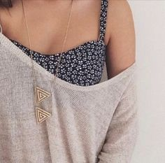 $15 Cute Navy Blue White Floral Patterned Summer Crop Top With Over-Sized Beige Sweater And Statement Gold Necklace