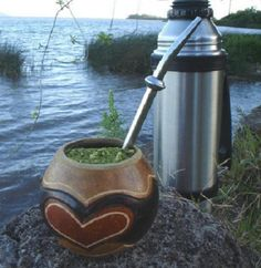 Yerba Mate Gourd - All You Need To Know Before Making a Purchase Love Mate, Te Chai, Yerba Mate Tea, Coffee Snobs, Health Heal, Keep Calm And Drink, Rio Grande Do Sul, Sugar And Spice, Cocktail Drinks