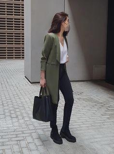 High Fashion, Womens Fashion, Rocker Chic, Fashion Lookbook, Androgynous, Feminine Style, Streetwear Fashion, Minimalism, Street Wear