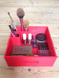 Makeup Box for the Girlfriend