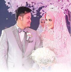 Hijabi Wedding, Wedding Dresses, Kebaya, Muslim, Wedding Inspiration, Bridesmaid, Crown, Instagram Posts, Bride Dresses