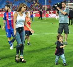 MADRID, SPAIN - MAY Antonella Rocuzzo and her son Mateo Messi attend the Copa del Rey Final match between FC Barcelona and Alaves FC at Vicente Calderon Stadium on May 2017 in Madrid, Spain. (Photo by Europa Press/Europa Press via Getty Images) Fc Barcelona, Still Image, Image Now, Do Love Spells Work, Teen Wolf Malia, Antonella Roccuzzo, Madrid, Bring Back Lost Lover, Life Before You