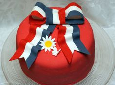 Bilderesultat for 17 mai Public Holidays, Holidays And Events, Norwegian Food, Norwegian Recipes, My Heritage, Style And Grace, No Bake Desserts, No Bake Cake, Beautiful Cakes