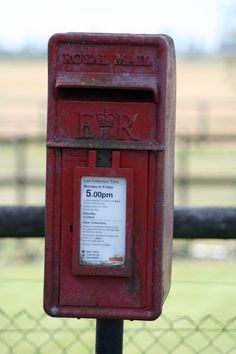royal mail posting box Antique Mailbox, Vintage Mailbox, Old Post Office, You've Got Mail, Going Postal, Post Box, Be A Nice Human, Cool Items, Letter Boxes