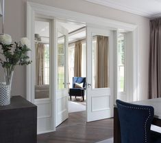 House Techniques And Strategies For Traditional Interior home design Interior Glazed Doors, Interior Trim, Internal Double Doors, Room Divider Doors, Modern Home Interior Design, Inside Doors, Hallway Designs, Traditional Interior, Traditional Design