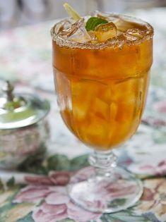 Tökéletes barackos ice tea cukor nélkül Cocktail Drinks, Cocktails, Iced Tea, Punch Bowls, Cukor, Smoothie, Detox, Recipies, Paleo