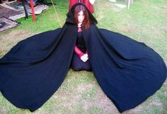Beautiful circle, full length wool cloak is perfect for keeping you warm on a chilly day or evening. Wear to your next SCA event, Renaissance Faire or LARP and stay warm! Pagan Halloween, Halloween Costumes, Medieval Cloak, Medieval Fantasy, Pirate Baby, Wool Cape, Fairy Dress, Renaissance Fair, Super Hero Costumes