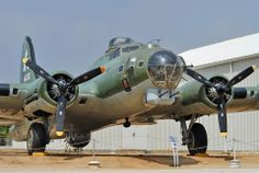 U.S. Army Air Force Boeing B-17G-50-DL Flying Fortress (photo Nils Mosberg)