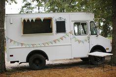 adorable wedding day food truck! | Leslie Hollingsworth #wedding
