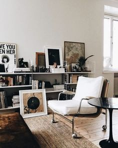 Retro home decor - Fab to Amazing thoughts. diy retro home decor living rooms smashing example reference 7227582214 shared on this day 20190331 Retro Home Decor, Home Decor Styles, Cheap Home Decor, Room Inspiration, Interior Inspiration, Design Inspiration, Decor Room, Living Room Decor, Living Rooms