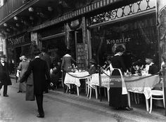 The Cafe Kranzler on the corner Friedrichstrasse/Unter den Linden in Berlin - undated, probably in the 1910's