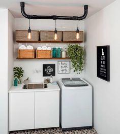 Lavanderia projetada pela designer de interiores Patrícia Ribeiro. Via: @casacombr @diyhomebr #ideiasdiferentes #referencia