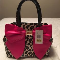 BNWT Betsey Johnson Leopard Beautiful Leopard Oh Bow Satchel with gorgeous pink bow. Betsey Johnson Bags Satchels