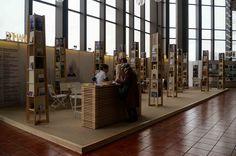 Почетен гост на панаира е Румъния, която ще се представи с над 10 срещи с писатели и дискусии.
