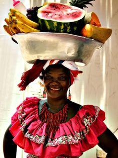 Cartagena de Indias, COLOMBIA. (palenquera)