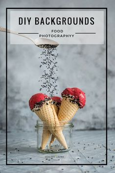 DIY Food Photography Backdrops & Backgrounds. Healthy Laura. Grey. Ice Cream. Sesame Seeds. Colors. DIY. Homemade. Cheap. #foodphotography #foodstyling #action #backgrounds #backdrops