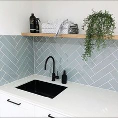 Home Interior Design — minimal kitchen - Küche - Minimal Kitchen, New Kitchen, Kitchen Decor, Kitchen Wood, Small Kitchen Tiles, Summer Kitchen, Kitchen Flooring, Laundry Room Tile, Room Tiles