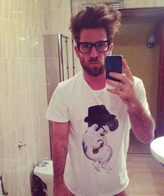 #selfie in vero stile #hipster....it rules!  #siamoises #tattoo #besiamoises http://bit.ly/hipstersiamoises