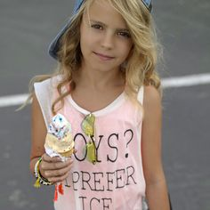 "I Prefer Ice Cream Tweens and ""dating"" This is for fancy moms who are already dealing with the issue of boys and their little tweens being boy crazy! Tween Fashion, Cute Fashion, Fashion Blogs, Tween Girls, Cute Girls, Aaliyah Style, Mix Match Outfits, Kristina Pimenova, Teen Vogue"
