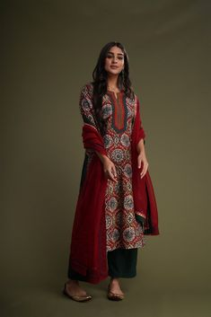 Dress Indian Style, Indian Dresses, Ethnic Outfits, Indian Outfits, Indian Attire, Indian Wear, Kalamkari Kurta, Pakistani Kurta, Anarkali